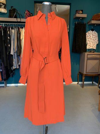 Oranges Kleid mit Gürtel von Stefanel